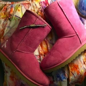NWOT UGG Special Pink Breast Cancer Boots